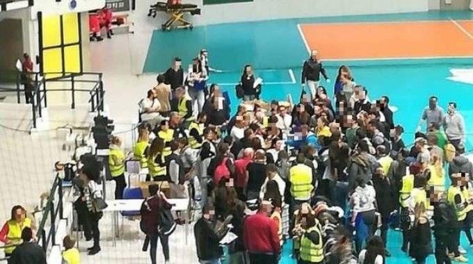 Palazzetto di Monza nel caos
