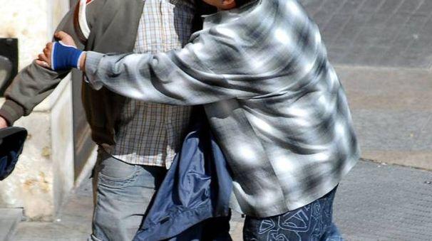 Due ragazzi si affrontano in una foto di repertorio (Spf)