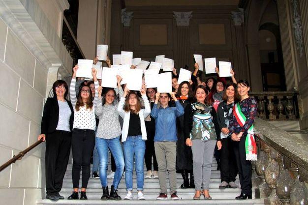 Consegnati a trenta studenti bagnacavallesi i diplomi Ket (Foto Scardovi)