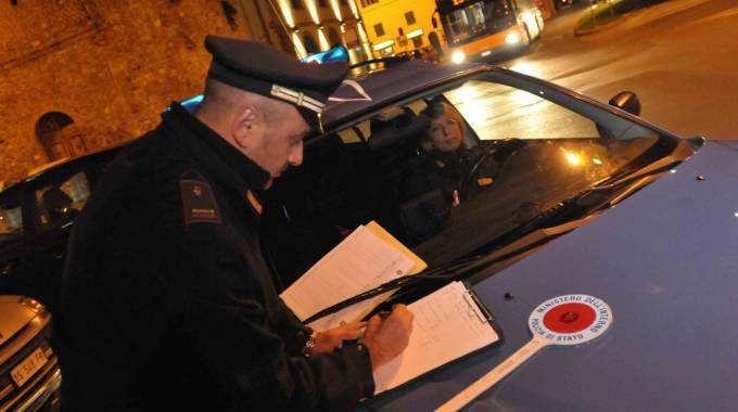 La polizia sta visionando le televcamere di sorceglianza
