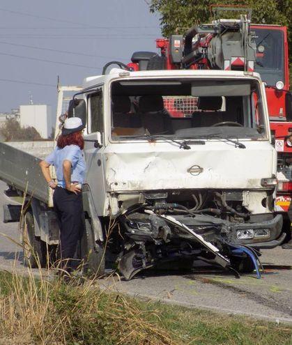 Il furgone coinvolto nell'incidente (foto Laura Guerra)
