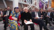Marino Golinelli (al centro) con la moglie Paola (Foto Schicchi)