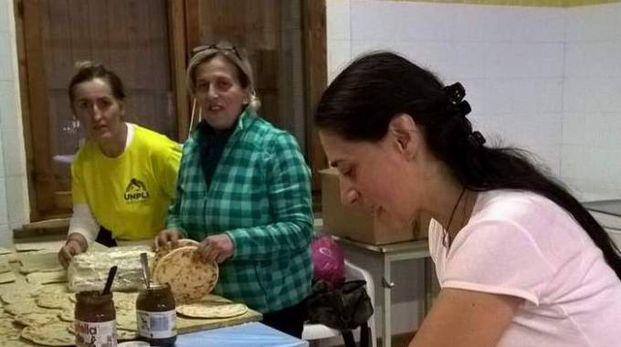 In ogni sagra il reparto più importante è la cucina , dove si preparano le specialità locali (foto di repertorio)