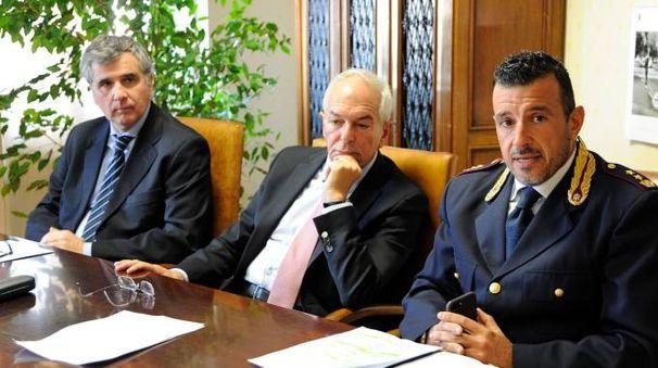 Il questore Pallini, il procuratore Giorgio e il capo della squadra mobile Albini (foto Calavita)