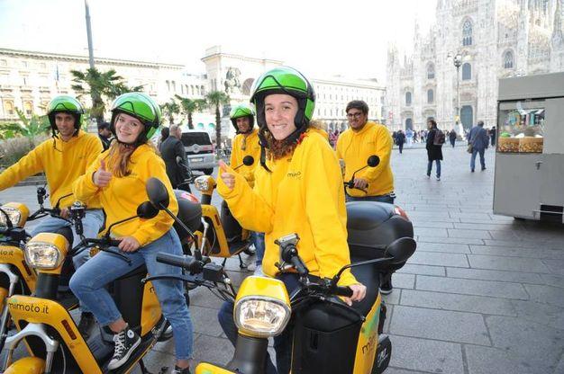 A Milano il nuovo servizio di scooter  sharing elettrico 'MiMoto' (Newpress)