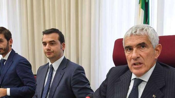 Banche:focus commissione su stipendi