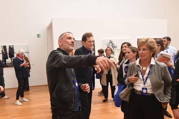 Il fotografo Vincent Fournier e il curatore della Biennale di fotografia dell'industria, François Hébel (Foto Schicchi)