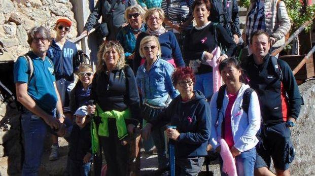 I partecipanti all'iniziativa  lungo la via Vecchia Antona