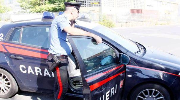 Il 50enne è stato denunciato dai carabinieri; affronterà un processo