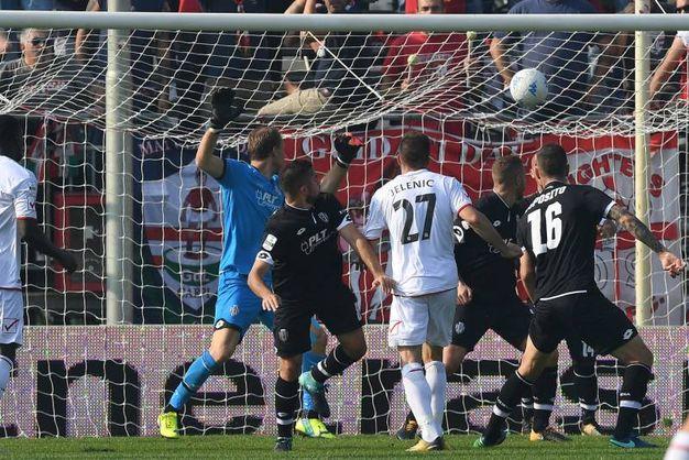 Al 14' raddoppio del Carpi contro il Cesena (foto LaPresse)