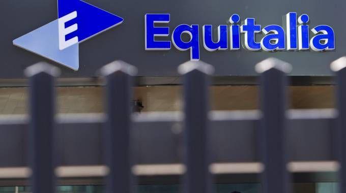 Rottamazione cartelle Equitalia, le ultime novità (foto Ansa)