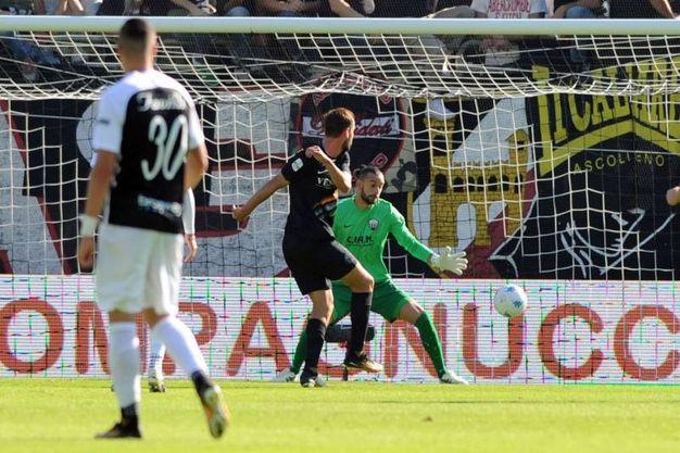 Il gol di Zigoni al 15' (foto LaPresse)