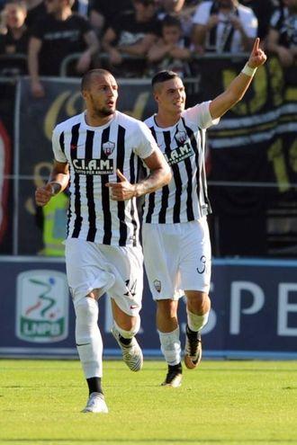 Il gol del 3-2 di Favilli (foto LaPresse)