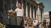 Sean Penn nel film 'Milk' storia di un gay eletto a una carica politica negli Stati Uniti
