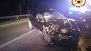 Scontro frontale tra auto, muore una ragazza di 19 anni