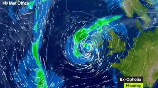 L'uragano Ophelia, le previsioni meteo del Met Office (da Twitter)