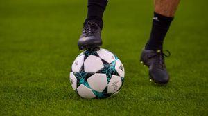 Giocare a calcio allunga la vita (Lapresse)