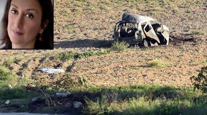 Daphne Caruana Galizia nel riquadro. Sullo sfondo l'auto distrutta dall'esplosione (combo
