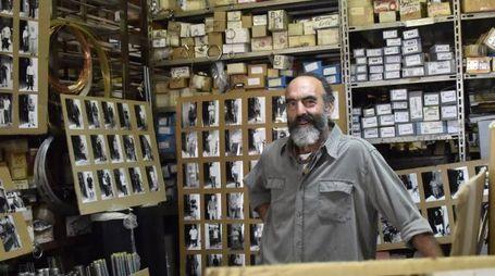 Gino Mentessi, titolare della ferramenta Chiesa
