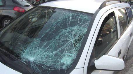L'auto dopo l'incidente di Monsampolo (foto Sgattoni)