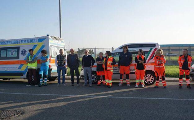 Ambulanze in corteo per gli operai della Tmm (foto Sarah Esposito/Germogli)