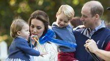 Late e William con i principini George e Charlotte. Ad aprile nasce il terzo royal baby