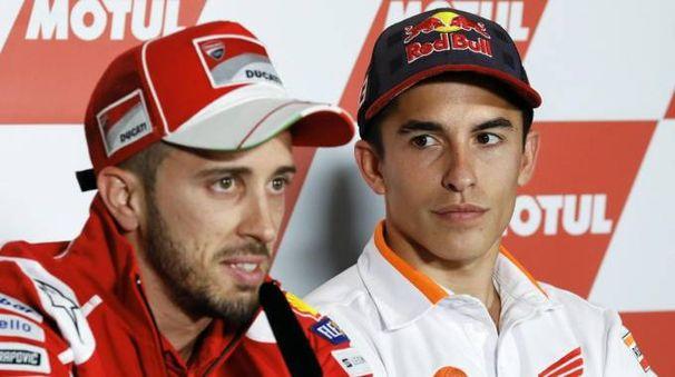 Marc Marquez (a destra) e Andrea Dovizioso (Ansa)