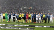 Le squadre a inizio match (Ansa)