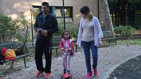 La piccola Marina con i genitori Maria e Nikolaos (Schicchi)