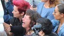 La mamma Donatella Rago ai funerali di Nicolina dopo la tragedia