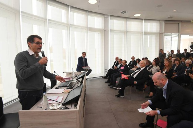 Anche il sindaco Merola all'inaugurazione (foto Schicchi)