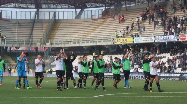 Cesena-Foggia 3-3, il saluto alla curva (foto Ravaglia)