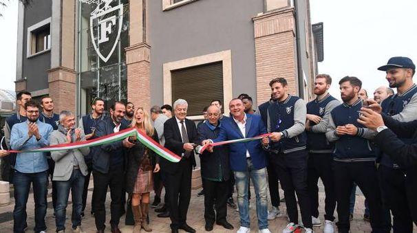 Il taglio del nastro della nuova sede a Torreverde (foto Schicchi)