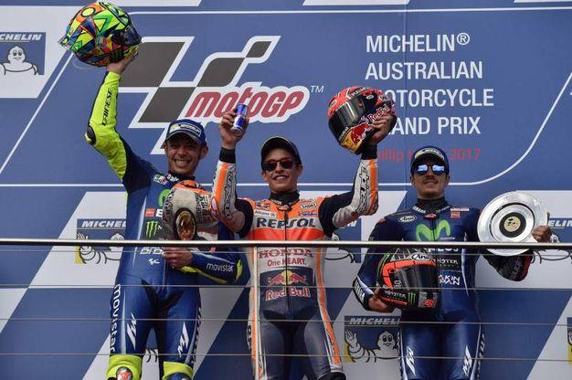Il podio: Marquez tra Rossi, secondo, e Vinales, terzo (Afp)
