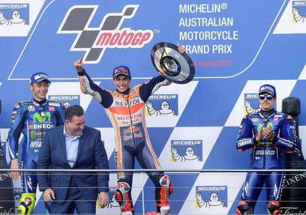 Il podio: Marquez tra Rossi, secondo, e Vinales, terzo (Ansa)