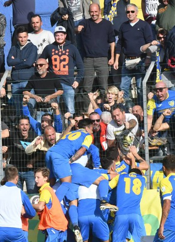Carrarese-Arzachena 2-1, le foto della partita (Delia)
