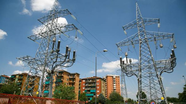 L'elettrodotto al confine tra Sesto e Milano