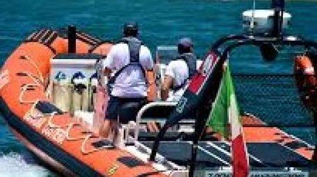 Pronto l'intervento della Guardia Costiera di Portoferraio che si è portata con una barca vicino al natante in difficoltà