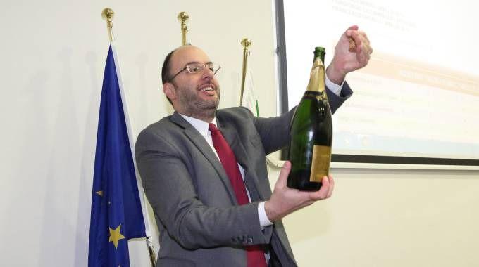 Francesco Critelli festeggia la vittoria