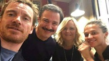 L'attore Michael Fassbender (a sinistra), Giampiero Ingrassia e a destra Alicia Vikander