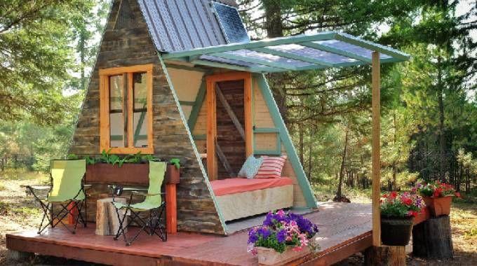 Rimini una casa di legno e paglia costruita con gli amici - Costruire una casa di legno ...