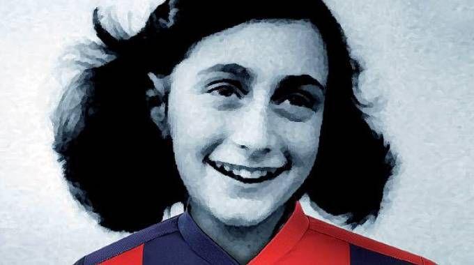 La foto di Anna Frank che verrà distribuita domani allo stadio