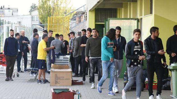 I giocatori del Modena lasciano lo stadio (FotoFiocchi)