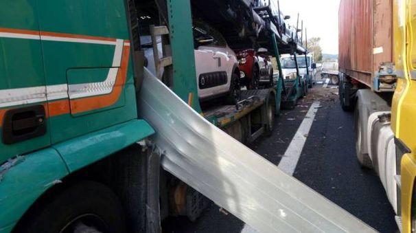 L'incidente in A14 (foto Vitali)