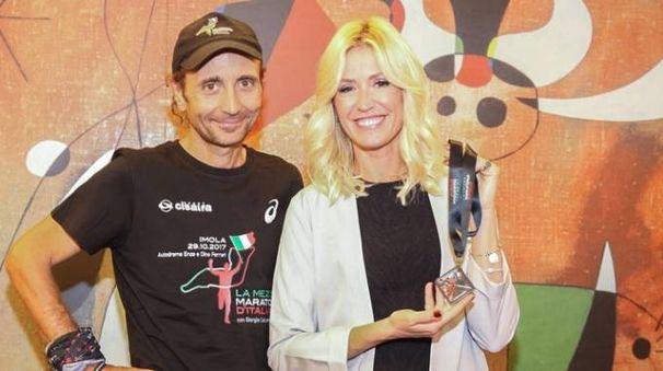 Giorgio Calcattera, ideatore della gara, con la madrina Marina Graziani