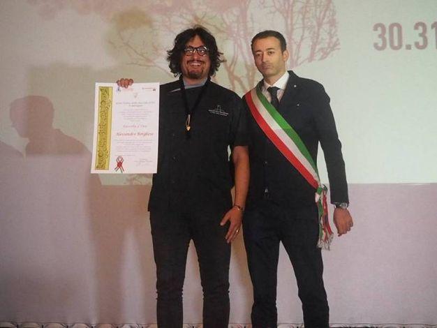 Alessandro Borghese con il sindaco Pierotti
