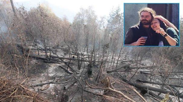 Laura Orlandi e il marito, titolari della pensione Irma, guardano quel che resta del bosco