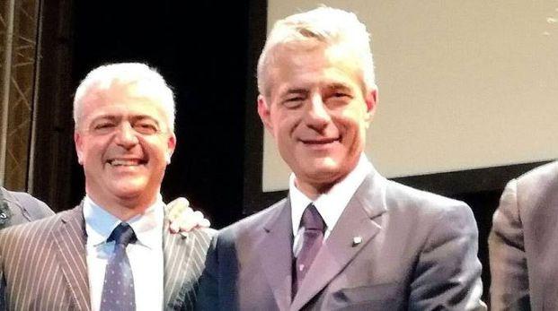 Medaglia d'oro a Simone Guerrini consigliere del Capo dello Stato, premiato dall'assessore Andrea Serfogli