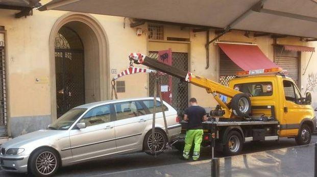 Un automobilista denuncia di avere pagato quasi 86 euro più del dovuto (Dire)