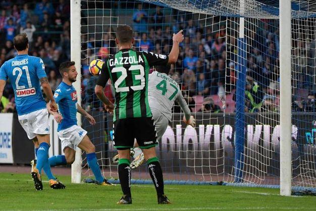 Il gol di Mertens (foto Afp)